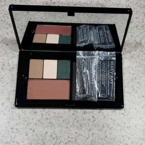 Perfect Pallet with 3 eye shadows and 1 blush